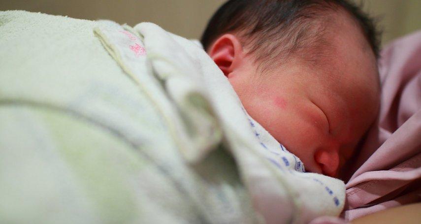男嬰才出生四天就得敗血症…疾管署:腸病毒肆虐,家長務必注意嬰幼兒「這些症狀」