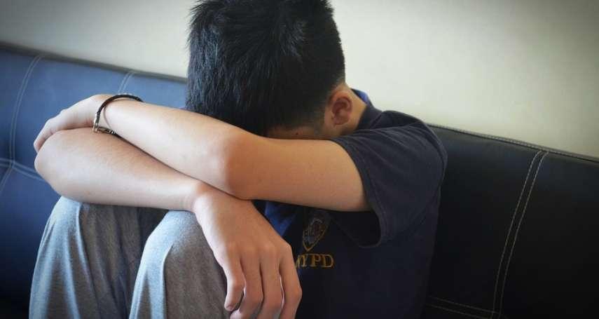 用這個恐導致自閉症?一個流傳20年的假研究 他玩「連連看」,孩子深受其害