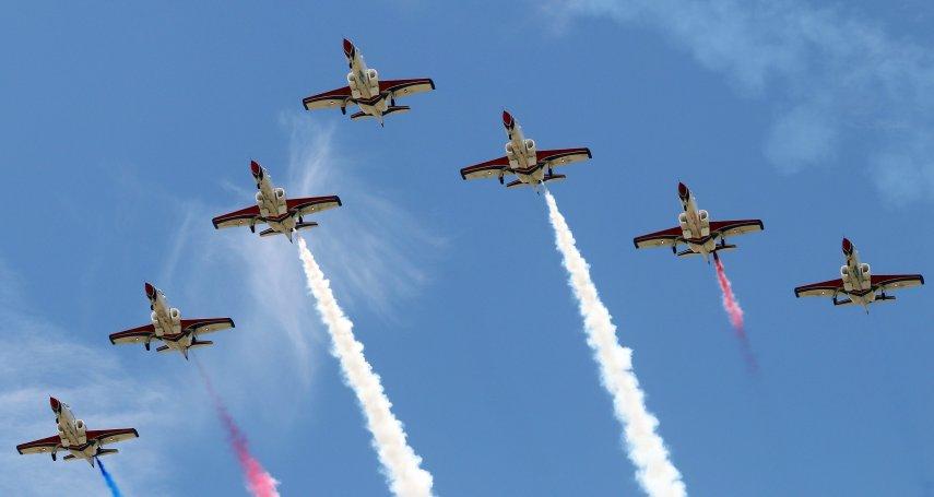 彩繪戰機高空飆特技 岡山空軍官校12日將開放參觀