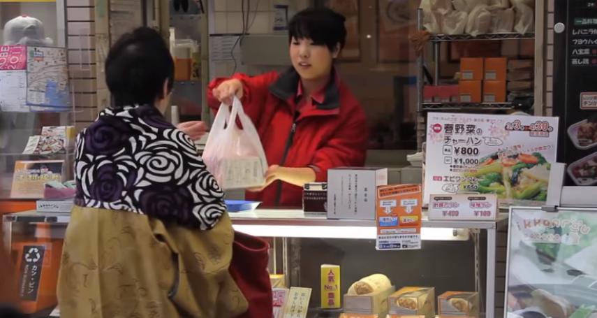 神戶名店知多少?這裡可不只牛好吃,4款超人氣街邊小吃值得你跟著在地人排隊啊!