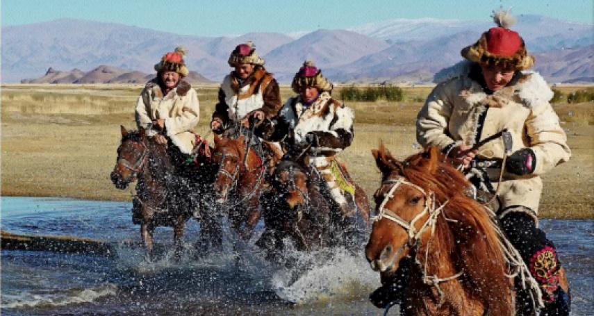 醉臥草原君莫笑!用手吃羊肉,大口喝烈酒,跟達人體驗蒙古豪氣千雲的痛快飲酒文化!