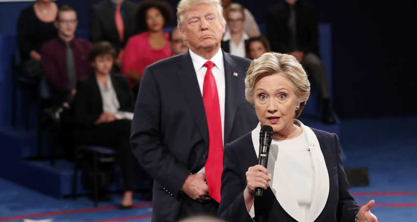 川普像「背後靈」緊跟不放》希拉蕊回憶同台辯論場景 差點失控大罵「滾遠點」