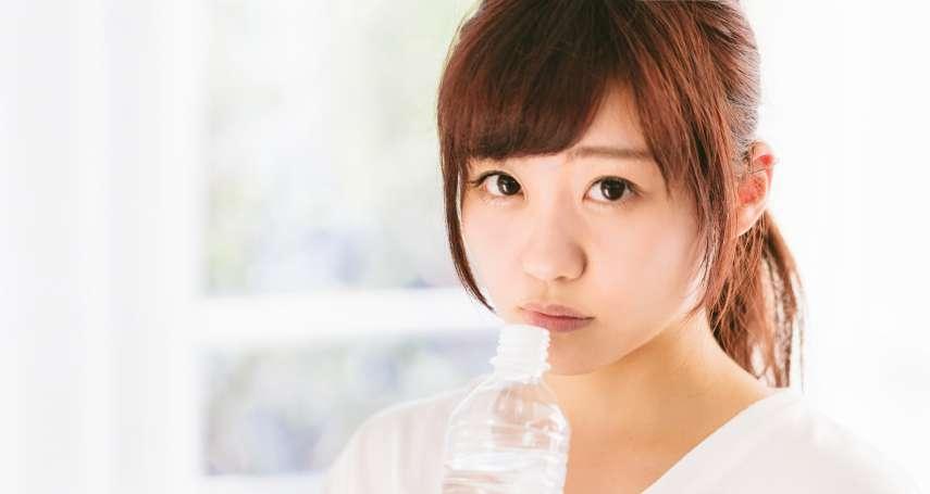 喝一瓶貴2倍的離子水、礦物質水,真的會比較健康嗎?營養師打臉:喝太多小心敗腎!