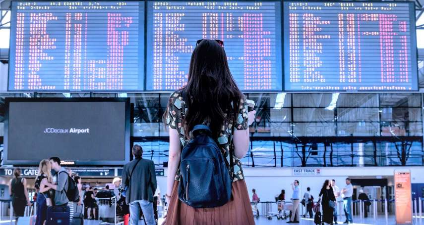 為什麼光腳不能上飛機?榴槤能不能帶回國?登機10大「潛規則」,不配合當心被列入黑名單