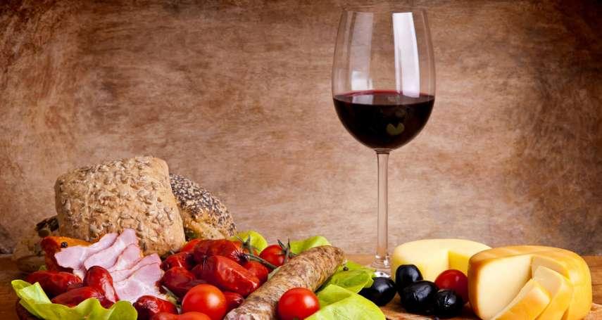 老是不知道葡萄酒怎麼搭餐?這篇超完整分類總整理,教你簡單挑對酒,為料理加分!