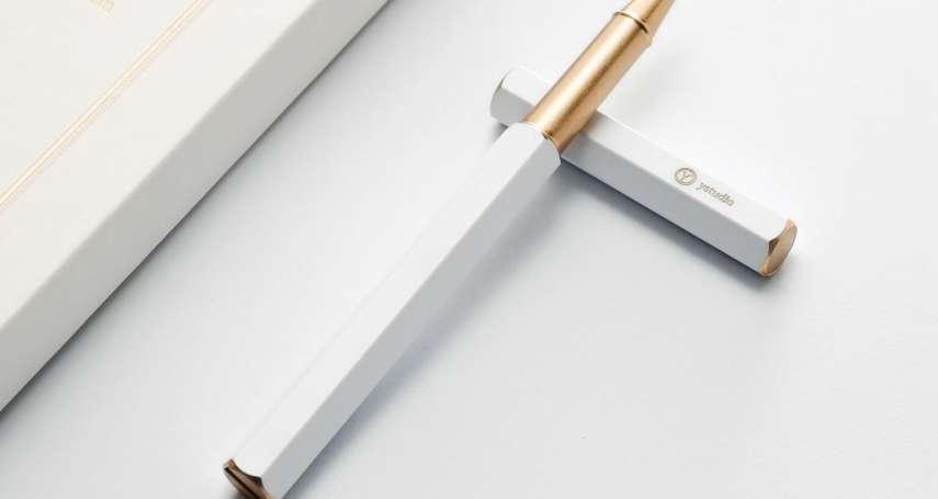 一個字找回退逝的回憶,筆的痕跡依然如昔