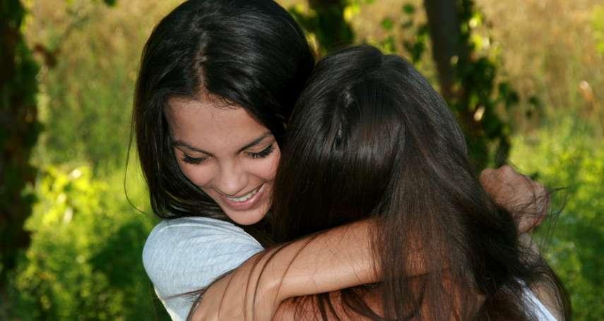 「給家人抱、親下,有什麼關係?」別犯大忌!多數家長忽視,卻攸關孩子身體安全的觀念是…