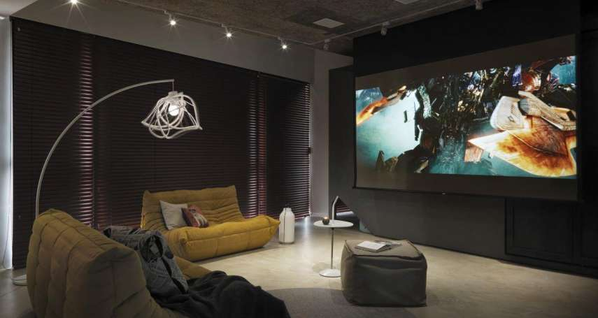 在家也能享受大螢幕!專家分享5重點,一次搞懂家用投影機,打造私人影院不是夢!