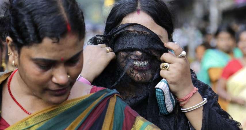 性工作者如何擺脫老鴇與高利貸魔掌?印度的姐姐妹妹自己開銀行、照亮黑暗人生!