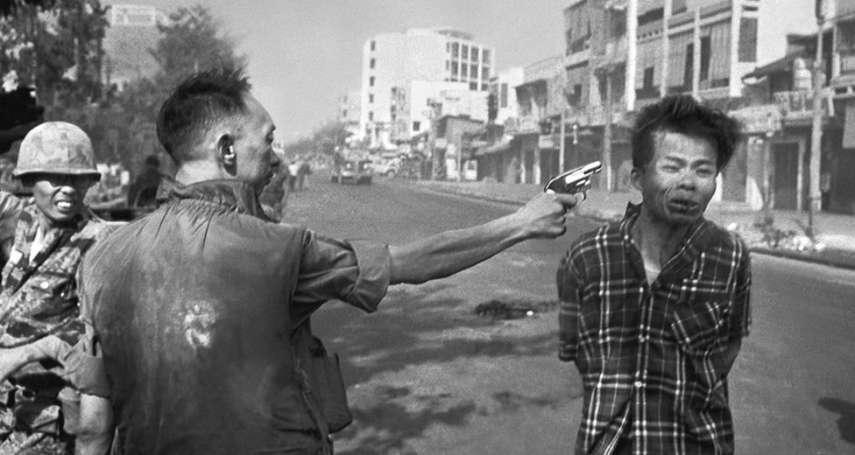 「2個人的人生毀滅,我卻因此成為英雄」越戰經典照「西貢槍決」攝影師沉重告白