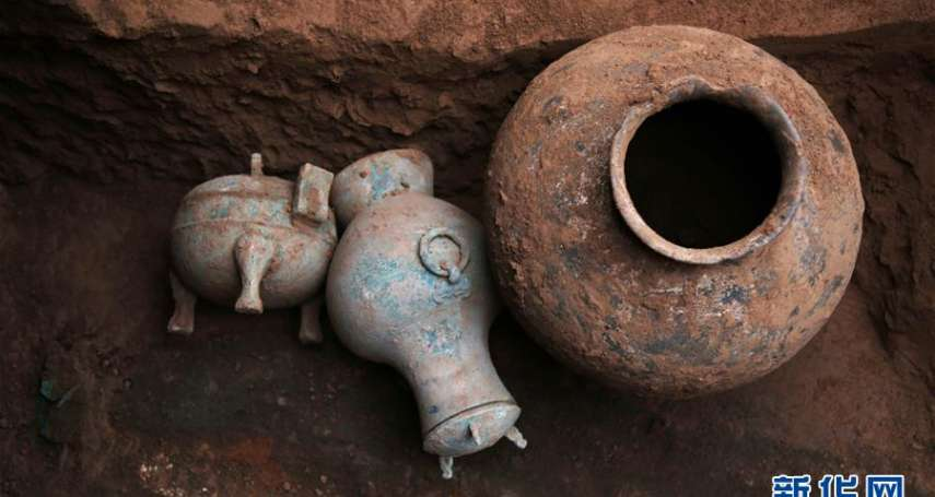 兩千年前的秦酒是什麼滋味?陝西挖掘秦人墓葬,密封銅壺內發現乳白色液體