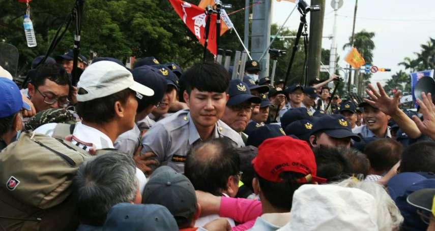 八百壯士奪記者相機、噴胡椒噴霧、圍毆猛踹 媒體工會呼籲:不要派記者去採訪!