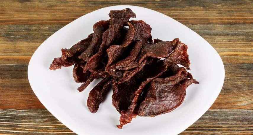 平平都是肉,為何牛肉乾很硬,豬肉乾卻又軟又多汁?業者曝真相:這都是因為消費者!