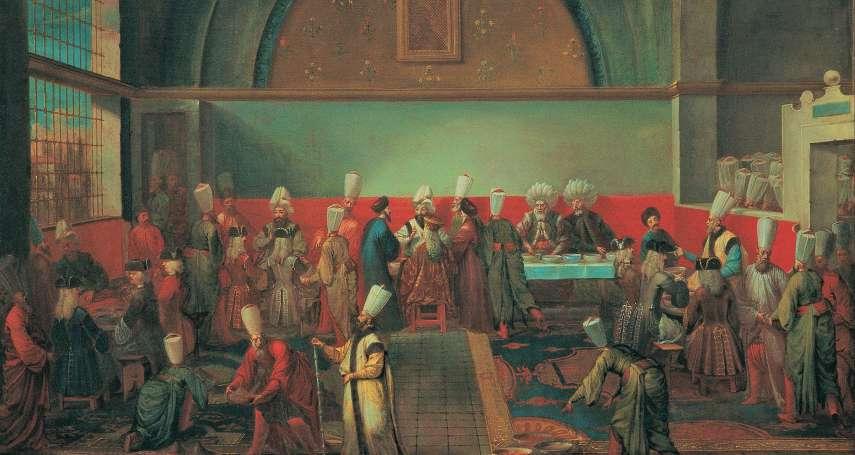在路上喝咖啡,皇帝竟氣到揮著寶劍來砍人!這帝國曾有超嚴「咖啡禁令」,理由卻很荒謬