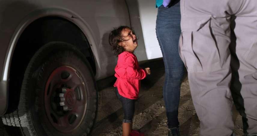 一張令世界心碎,影響川普移民苛政的女童哭泣照 攝影記者親揭拍攝歷程