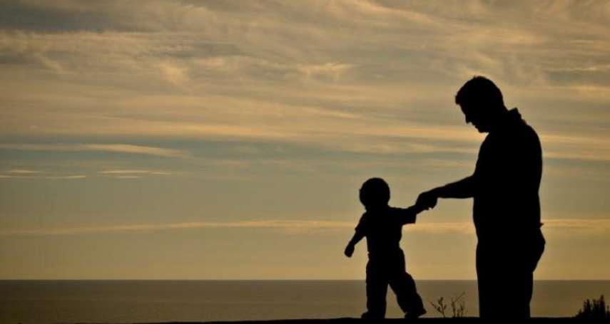 父親「背叛」出身,却維持人生航向:《楊煉文學訪談錄》選摘(2)