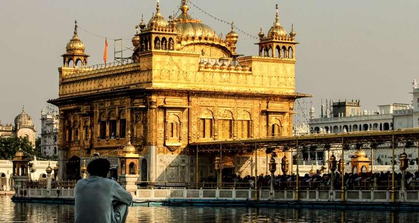 印度「黃金廟」是全球訪客最多的景點!全因廟內的「神池」傳說,浸泡過後會有神奇變化…