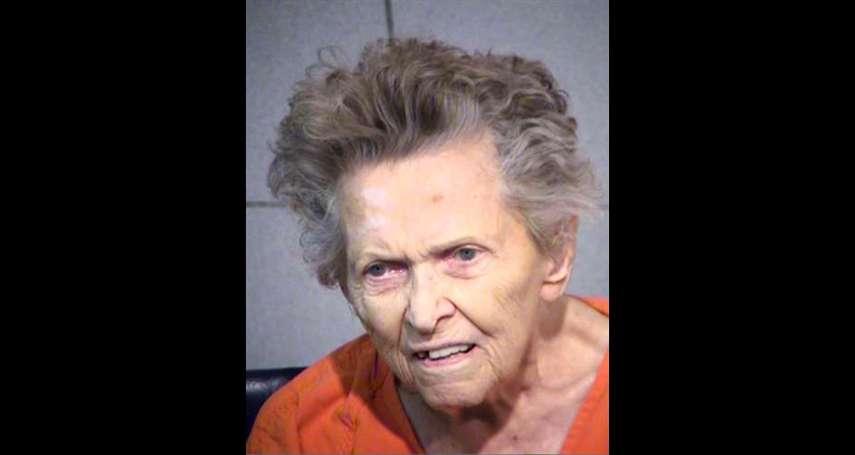 長照悲劇》不想去安養院住!美國92歲悍母竟槍殺72歲兒