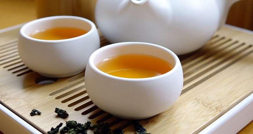 喝茶真的會骨質疏鬆嗎?專家破解長年迷思:多喝不但不會缺鈣,反而還有這些好處