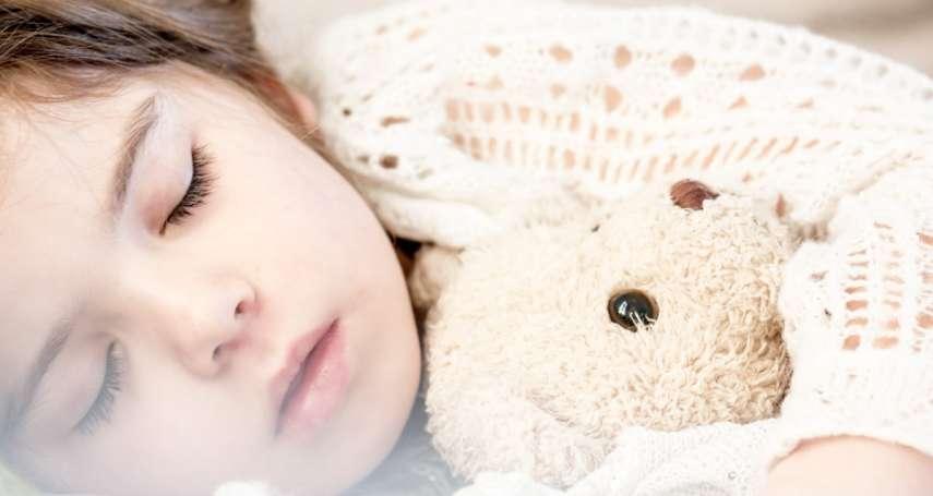 哄兒子睡覺說put my son to sleep,老外聽了都嚇壞、心裡超毛!4句話讓你秒懂錯在哪…