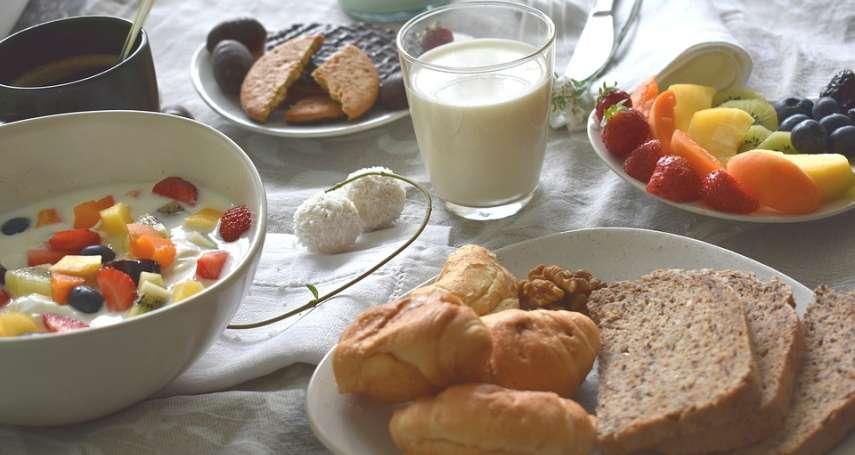 睡到中午才吃「早午餐」真的很不健康嗎?專家一席話顛覆你的認知