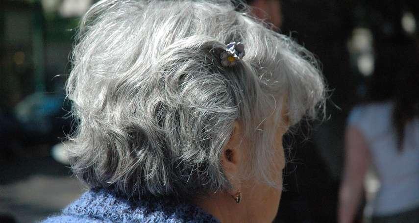 想見兒子不用再繞半個台灣了!所方人員溫馨協助,90歲老母親成功視訊探監感動流淚