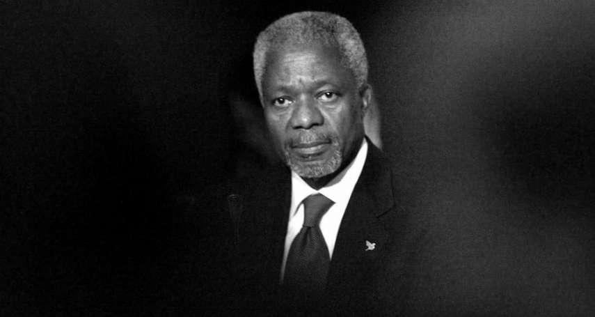 24歲開始在聯合國工作,2001年獲諾貝爾和平獎肯定:世界會記住你的溫和,走好!安南