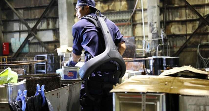 穿上它就能輕鬆搬重物!日工廠購入「撐腰神器」,大大減輕勞工的負擔、再也不怕傷到腰!