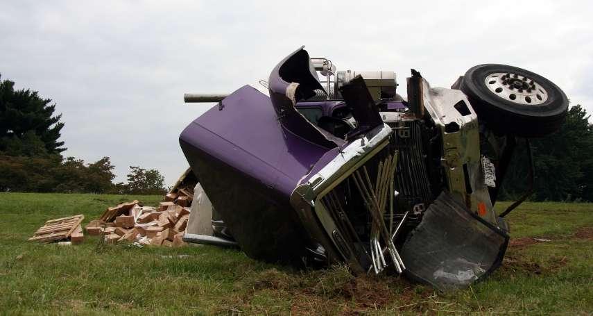 美國公路車禍,4500隻龍蝦命喪輪下,美動保團體要求為龍蝦設立墓碑