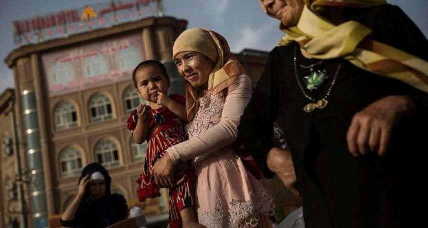 BBC記者來鴻:新疆「再教育營」多恐怖?一邊被拷打、一邊歌頌黨