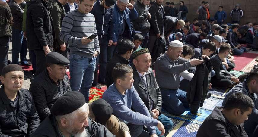 稱戴面紗是「極端主義」、學員都是自願的…中國開放外媒參觀新疆再教育營:感覺set很大