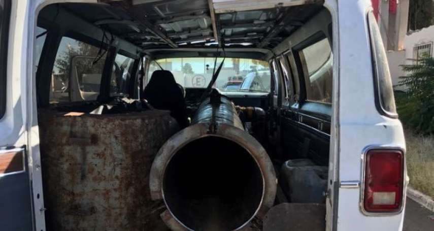 墨西哥毒梟超狂走私絕招:用「空氣砲」發射,讓大麻用飛的越過邊境圍欄