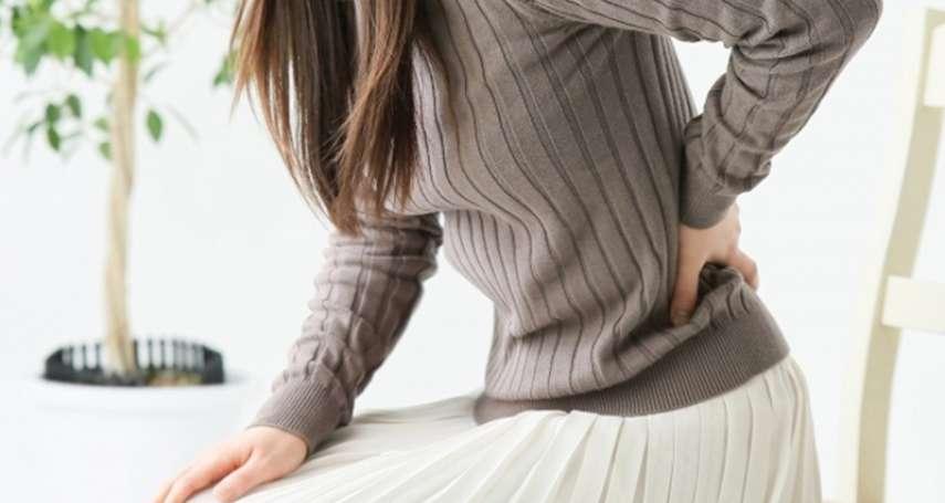 洗臉、開車、蹲馬桶…生活中10個小動作,都會讓人「閃到腰」!跟著醫生學正確護腰姿勢