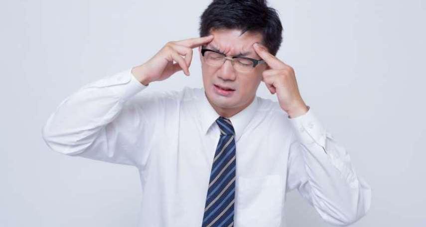天氣漸涼,腦中風每44分奪一命!醫師揭發病「4大前兆」,發現有異立刻送醫還有救!