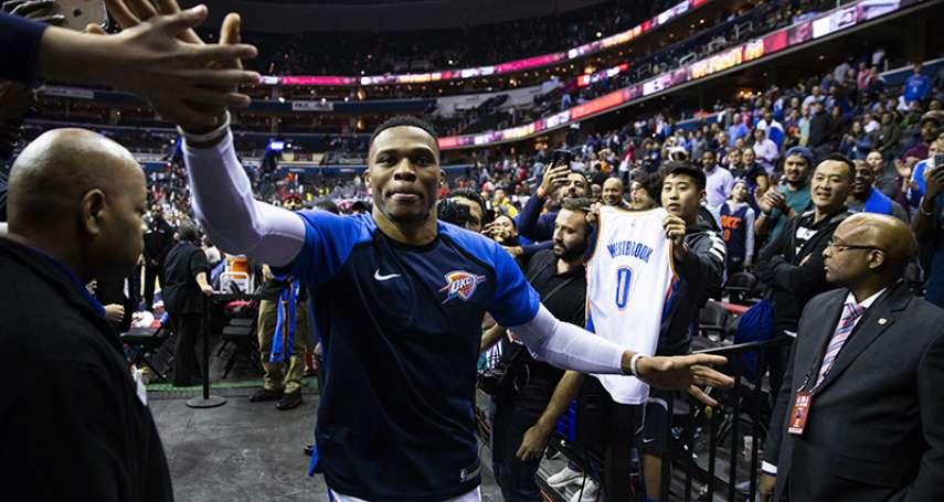 NBA》菜鳥有難西河助拳 半夜健身房徹夜談心