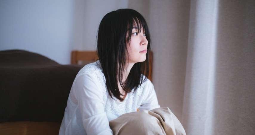 母親過世之後,情緒好幾年都「走不出來」…呂秋遠一席話,告訴她如何「活得快樂」