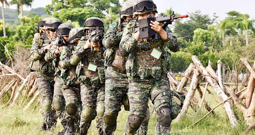 以碗就口、棉被折成豆腐乾!台灣男人最愛提的5個「當年勇」,當過兵的人絕對超有同感