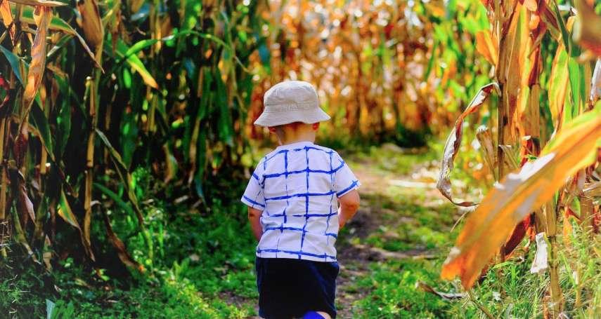 該帶孩子到充滿細菌的野外、農場走走嗎?醫學教授公布「答案」,髒反而對孩子更好…