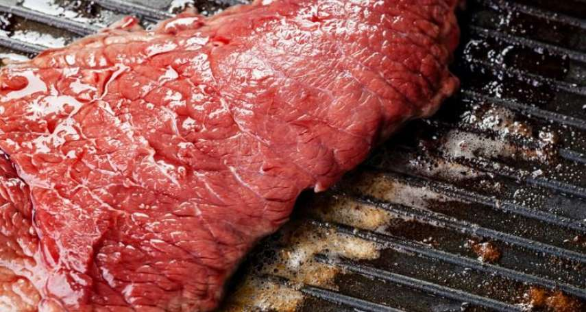 為何牛肉可以選擇三分、五分、七分熟,豬肉卻不行?原來豬肉沒煮熟,有這個超可怕風險
