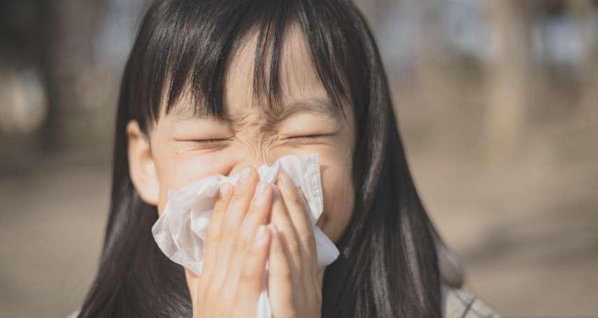 感冒才會流鼻水?醫師揭3大「鼻涕真相」原來人一天會吞嚥1.5公升的生理性鼻涕…