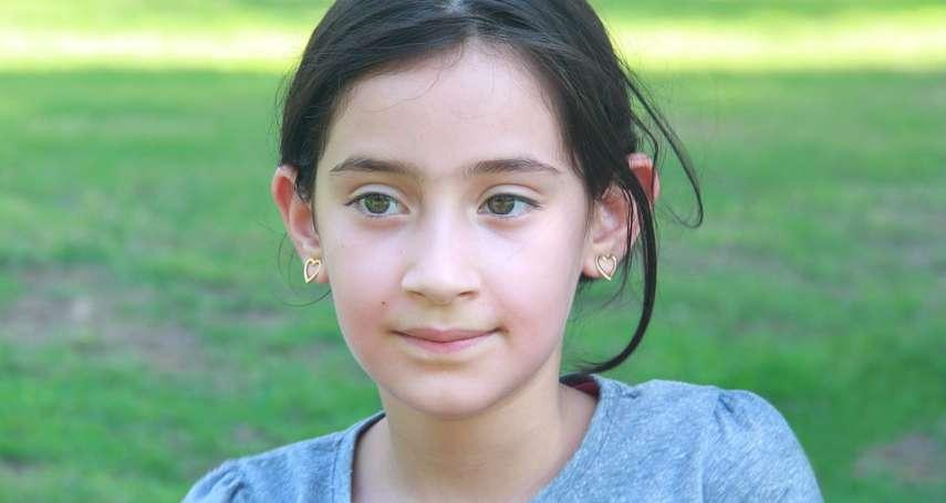 被6歲女孩問「我怎知自己是真實?」該怎麼回答?他3句話機智答題,簡單卻超有哲理!