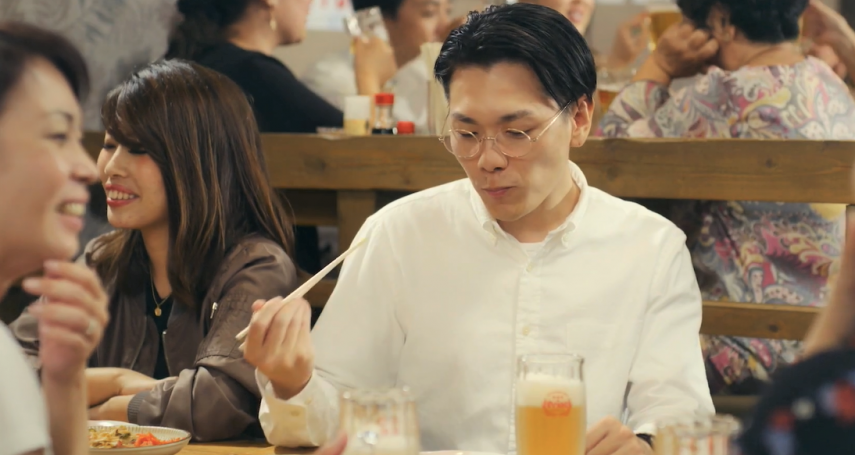 招待十幾人只點5道菜、場面超尷尬!一頓飯讓他感嘆這些「不拘小節」的行為其實是EQ太差