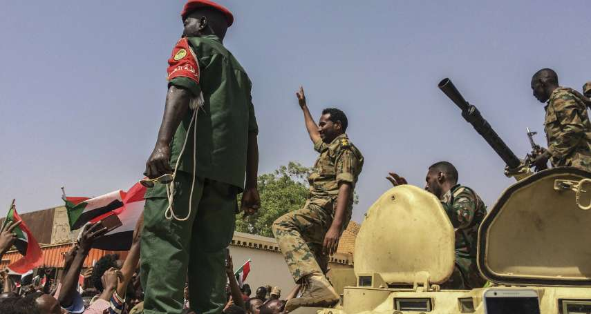 阿拉伯之春2.0》阿爾及利亞、蘇丹獨裁者全遭軍方推翻 問題是:如何避免淪為下一個埃及?