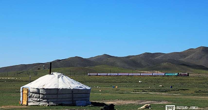 風吹草低見火車:濃濃俄式風格、貫穿俄蒙中三國的蒙古縱貫鐵道