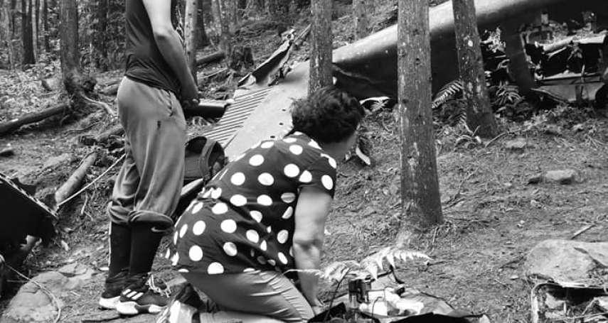失事40年首度招魂!軍機墜苗栗山區飛官劉傳集殉職 家屬初抵現場放聲大哭