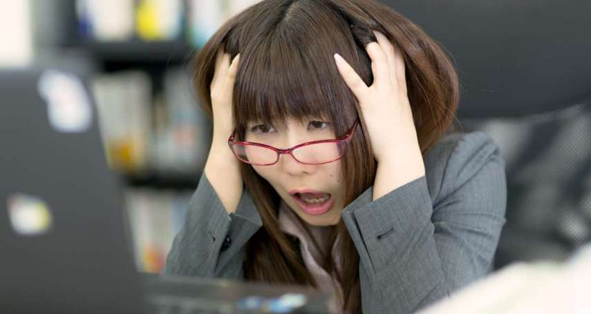 心悸、易怒、膚況不穩,沒了荷爾蒙保護,更年期女性還可能出現這項症狀