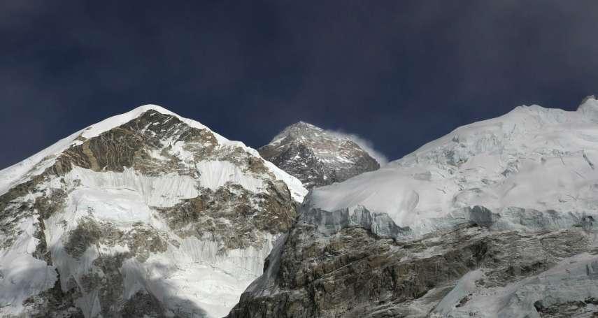 聖母峰竟然也大塞車!攀登時間拉長、缺氧風險倍增,一周連奪7命