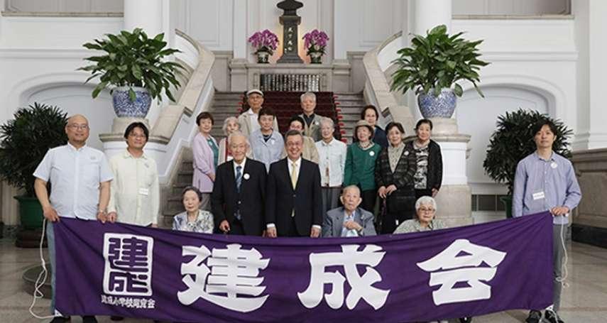 自認台灣人卻被迫返回日本、把墓碑做成台灣造型…哼著雨夜花、望春風回家的「灣生」們