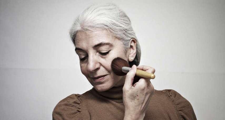 91歲時尚潮模:一副墨鏡,讓飽受失智之苦的她重振精神,顛覆社會印象
