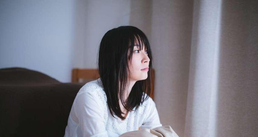 感覺到自己心裡受傷、生病了,卻不知道該怎麼辦?心理師:把痛苦說出來好得比較快